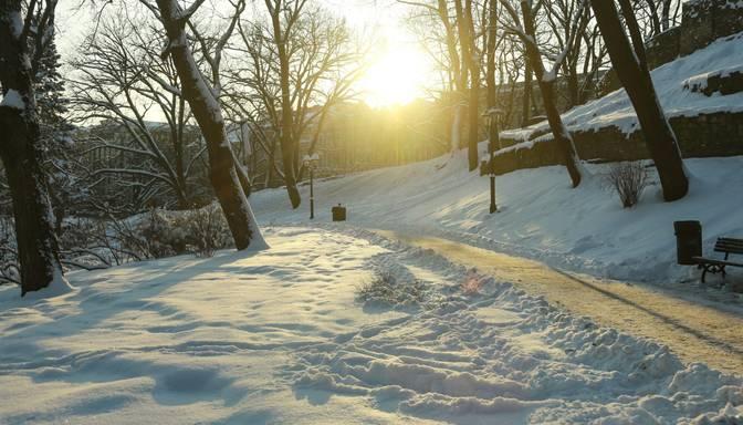 Pirmdien Latvijā gaidāms gan sniegs, gan saule