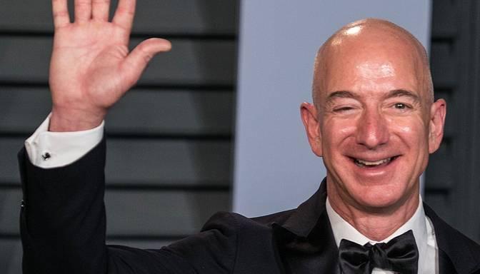 """Džefs Bezoss šogad pametīs """"Amazon"""" vadītāja amatu"""