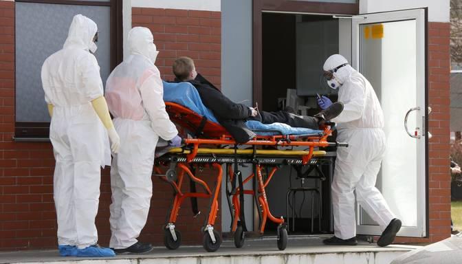 Slimnīcās ievietoto Covid-19 pacientu kopskaits pieaudzis līdz 1097