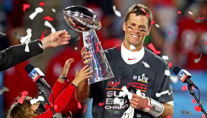 """""""Buccaneers"""" triumfē """"Super Bowl"""", Breidijam izcīnot jau septīto titulu karjerā"""