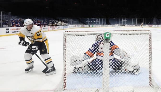 """Skaists Krosbija """"bullītis"""" atnes """"Penguins"""" uzvaru pār Ņujorkas """"Islanders"""""""