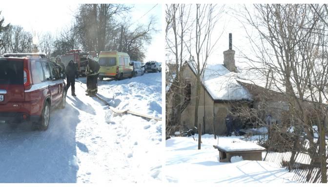 Pie vainas bojāta krāsns? Izskan versija par traģisko ugunsgrēku Jelgavas pusē, kurā bojā gāja trīs cilvēki
