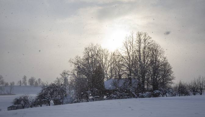 Ceturtdienas rītā gaidāms bargs sals, vietām temperatūra pazemināsies līdz -28 grādiem