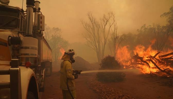 Austrālijā koronavīrusa karantīnas zonā plosās nekontrolējami ugunsrgēki
