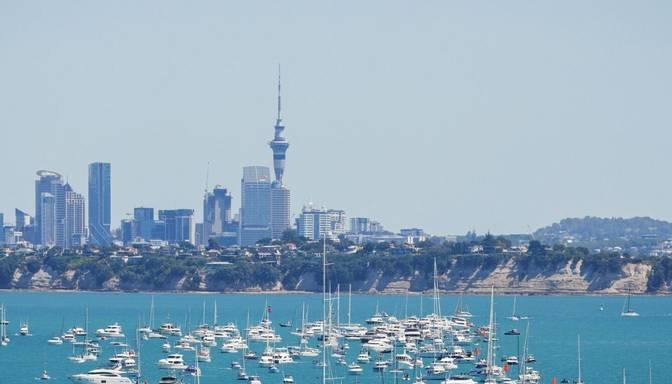 Jaunzēlandes lielākajā pilsētā uz trim dienām nosaka stingrus Covid-19 ierobežojumus