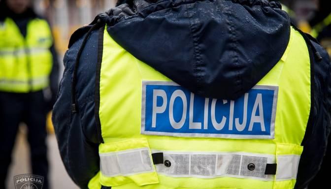 Policija aizturēja kādu vīrieti aizdomās par naudas izkrāpšanu, piedāvājot izīrēt dzīvokļus