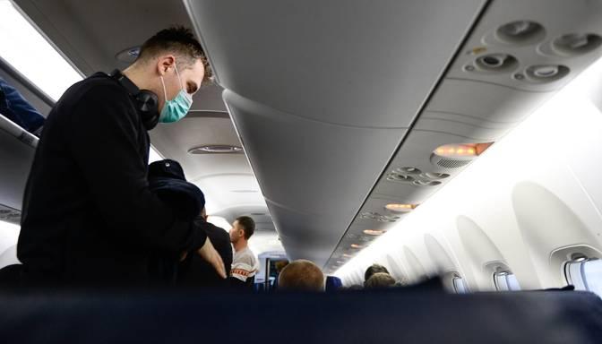 Eksperte: Obligāta pasažieru vakcinācijas prasība aviokompānijām radīs lielus zaudējumus
