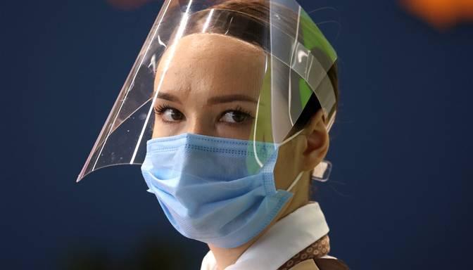 Nepierādītās efektivitātes dēļ rosina sejas vairogus ļaut lietot tikai kopā ar sejas masku