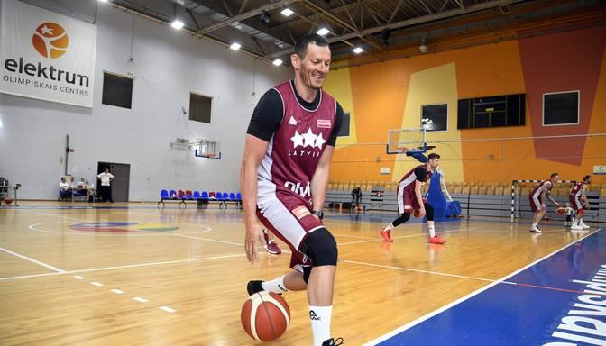 Basketbolists Blūms iekļauts Vienotās līgas Slavas zāles klasē