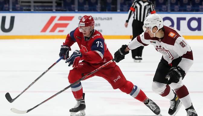 """Rīgas """"Dinamo"""" izbraukumā pārliecinoši piekāpjas Jaroslavļas """"Lokomotiv"""""""