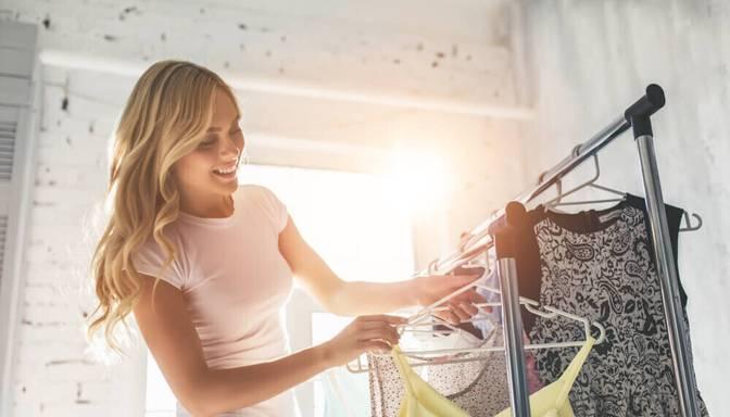 12 apģērbi, kas jāiekļauj sieviešu vasaras kapsulas garderobē