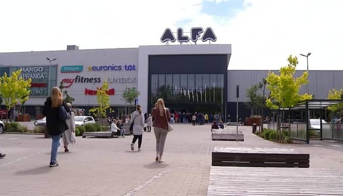 Tirdzniecības centri aicina neliegt apmeklēt tirdzniecības centrus bez Covid-19 sertifikāta