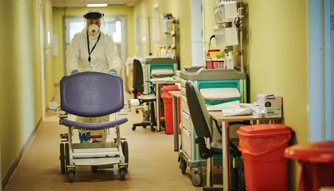 Stacionēto Covid-19 pacientu skaits pārsniedzis 500 gadījumu robežu