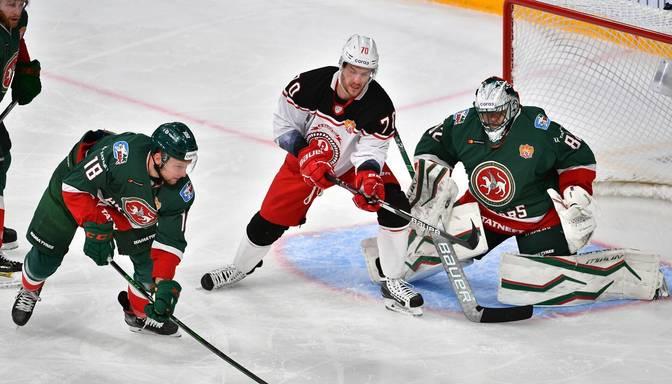 """Indrašim rezultatīva piespēlē, """"Vityaz"""" KHL mačā piekāpjas """"Ak Bars"""""""