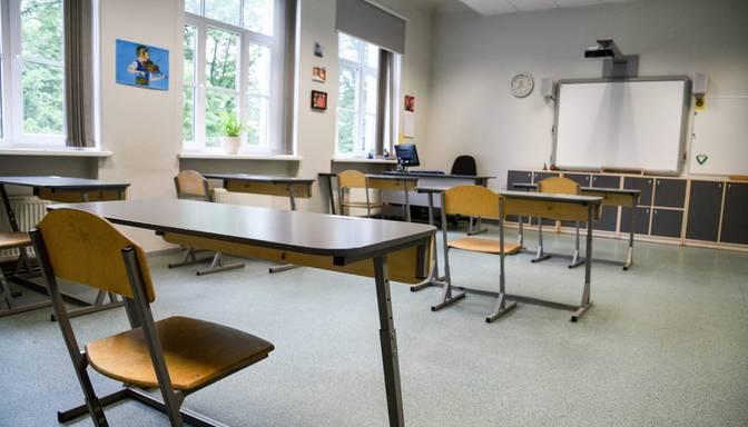 Nedaudz sarucis Covid-19 skarto izglītības iestāžu skaits