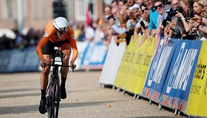 Rožlapai 28. vieta pasaules čempionāta individuālajā braucienā; uzvar van Deika