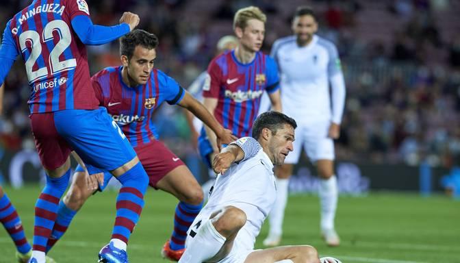 """""""Barcelona"""" Spānijas čempionāta spēlē tikai pašā galotnē izrauj neizšķirtu pret """"Granada"""