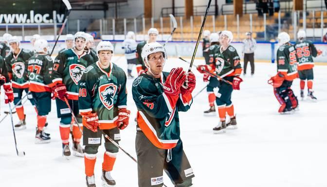 """Latvijas hokeja čempionātā graujošas uzvaras svin """"Liepāja"""", """"Mogo""""/LSPA un """"Zemgale""""/LLU"""