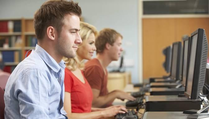 Aicina darba meklētājus un nodarbinātos pieteikties mācībām atvērto tiešsaistes kursu platformās