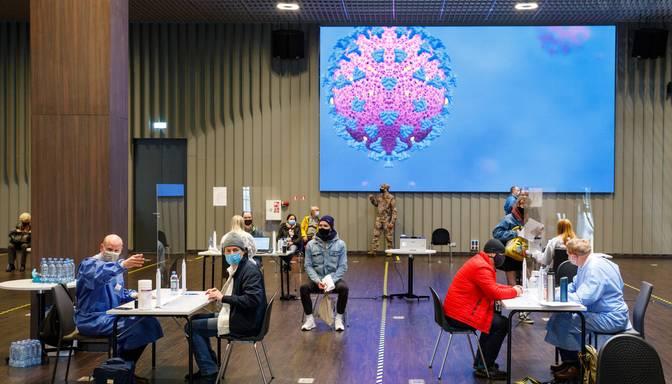 Pret Covid-19 pilnībā vakcinēto Latvijas iedzīvotāju skaits pārsniedzis 800 000
