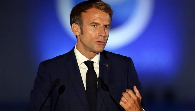 Mediji: Francija Šveices iznīcinātāju iepirkuma dēļ atcēlusi abu valstu prezidentu tikšanos