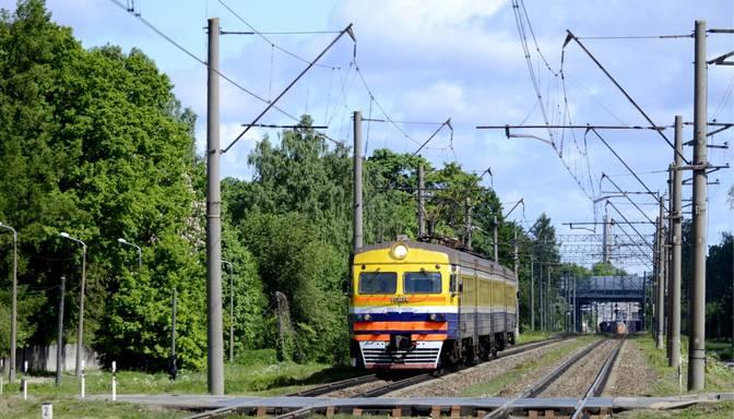Covid-19 slimnieks pārvietojies ar vilcienu maršrutā Sloka-Rīga-Sloka