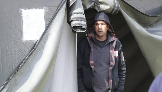 No Rūdninku telšu nometnes Lietuvā aizvesti prom pēdējie migranti