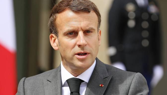 Francūzim par Makrona pielīdzināšanu Hitleram piespriež 10 000 eiro naudassodu