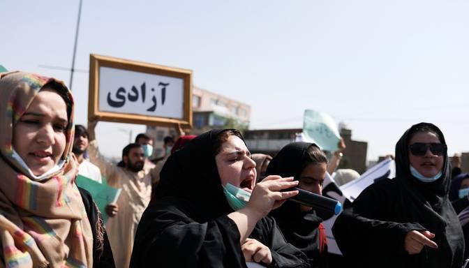 Talibi aizstāj Sieviešu lietu ministriju ar Tikumības ministriju