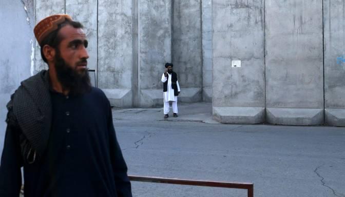 Talibi Afganistānā izsludina bārdu dzīšanas aizliegumu