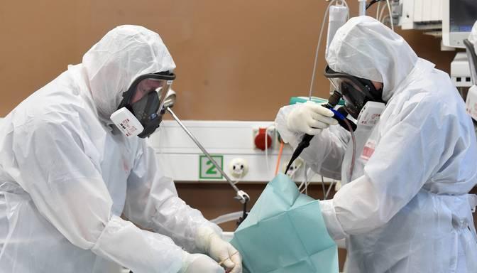 Covid-19 pacientu skaits Latvijas slimnīcās pieaudzis līdz 317