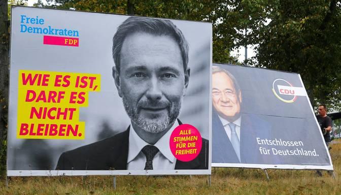 Eksperti: Vācijā varētu būt vismaz trīs partiju valdība