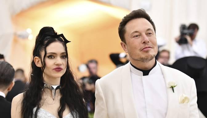 """Uzņēmējs Īlons Masks apgalvo, ka ir """"daļēji šķīries"""" no partneres"""