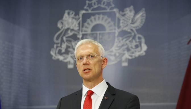 Premjers nepiekrīt pārmetumiem par valdības lēmumu novēlošanos stingrāku ierobežojumu noteikšanā