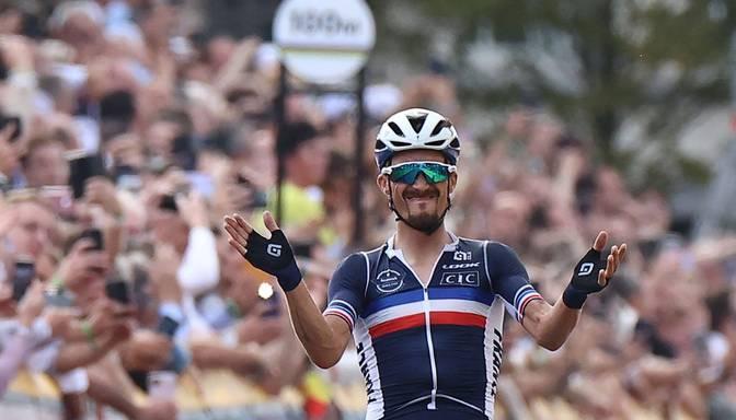 Pasaules čempionātā riteņbraukšanā grupas braucienā titulu nosargā Alafilips