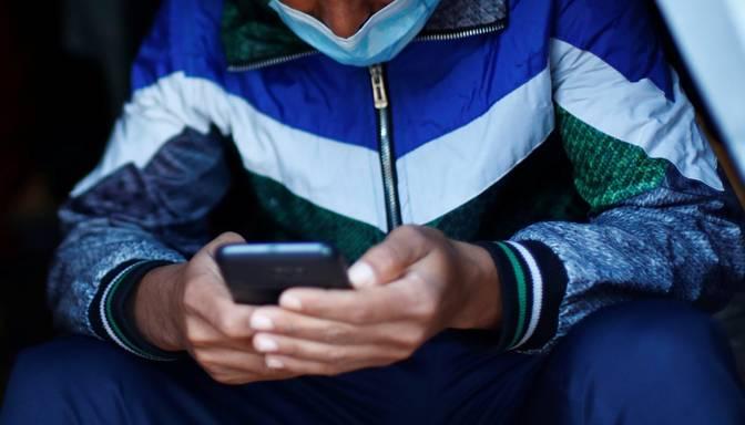 Nelikumīgi Latvijas-Baltkrievijas robežu šķērsojušo imigrantu mobilajos telefonos konstatēta bērnu pornogrāfija