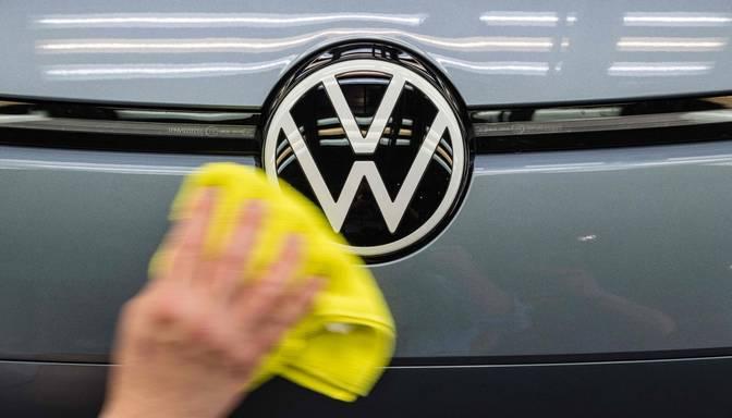 """Vairāk nekā 200 000 """"Volkswagen"""" mikroautobusu ir iespējami bīstamas durvju problēmas"""