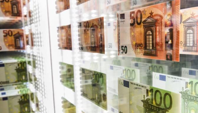 Valsts budžetā astoņos mēnešos izveidojies deficīts 860 miljonu eiro apmērā
