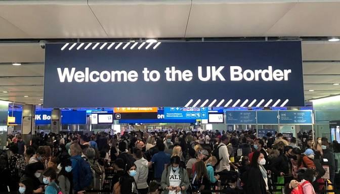 Ieceļošanai Apvienotajā Karalistē vairs neder ES identifikācijas karte