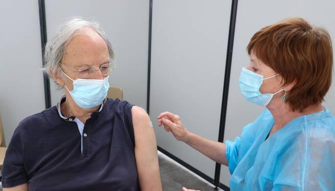 IVP iesaka papildu vakcīnas devu senioriem virs 65 gadu vecuma un SAC iemītniekiem