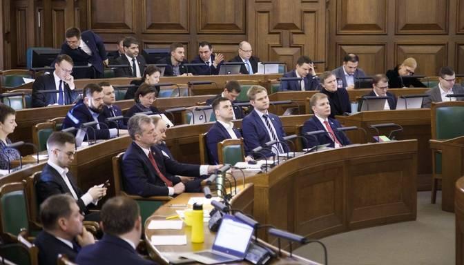 Saeima noraida opozīcijas deputātu ieceri krīzes visvairāk skartajām nozarēm samazināt PVN likmi līdz 5%