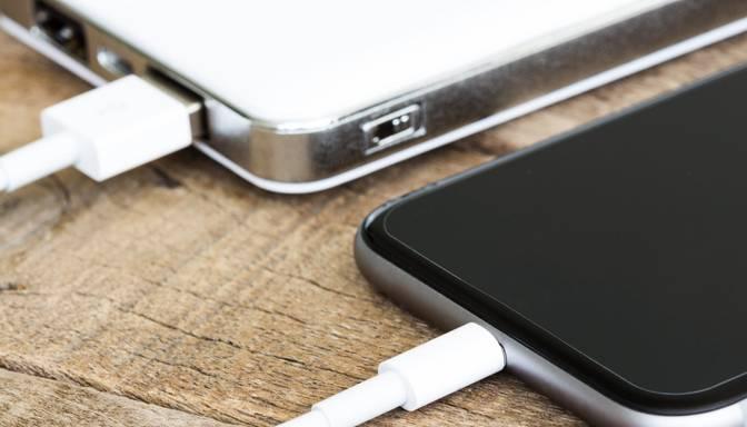 EK ierosina elektroniskajām ierīcēm ieviest vienotu lādētāju