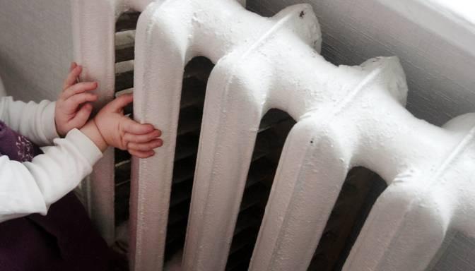 Parādu dēļ Rīgā bez apkures palikuši vairāk nekā 22 000 dzīvokļu