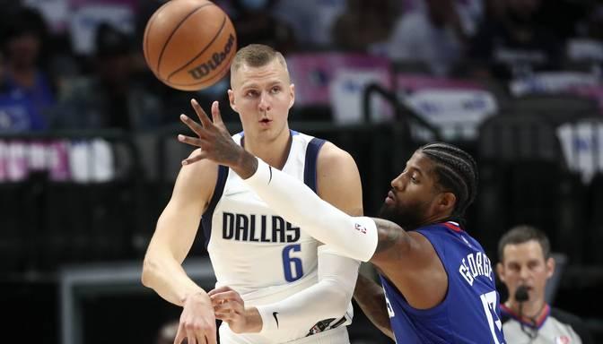 """Porziņģim lielisks sniegums """"Mavericks"""" uzvarā pār Losandželosas """"Clippers"""""""
