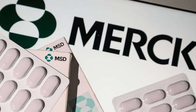 """Farmācijas uzņēmums """"Merck"""" lūdz ASV apstiprināt Covid-19 zāles"""