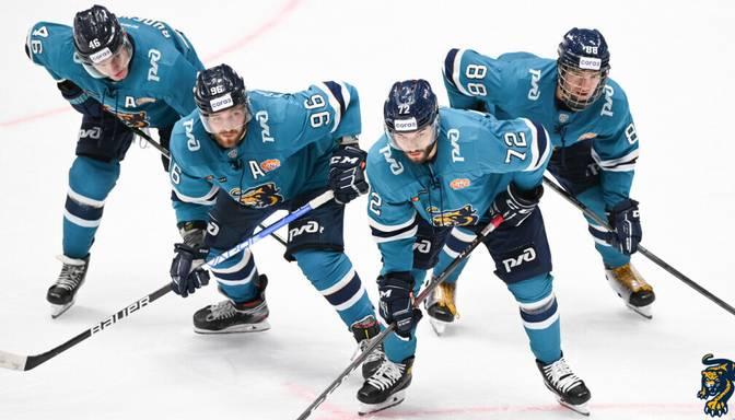 Aizsargam Jakam vārti un divas rezultatīvas piespēles zaudētā KHL spēlē