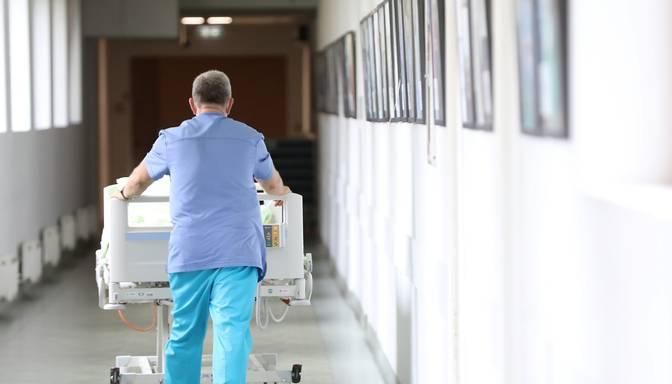 Ar nākamo nedēļu slimnīcas pārtrauks sniegt plānveida pakalpojumus