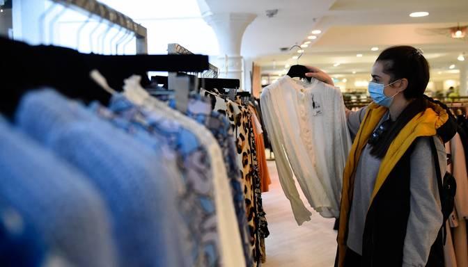 """Modes platforma """"Zalando"""" apģērbu ražošanā izmantos tekstilizstrādājumu atkritumus"""