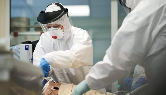1010 jauni inficēšanās gadījumi un 14 mirušie: Covid-19 saslimstības rādītāji Latvijā turpina pieaugt