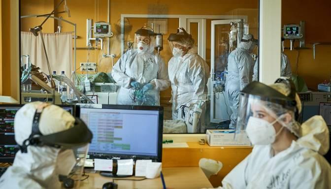 Covid-19: kumulatīvais saslimstības rādītājs Latvijā sasniedzis līdz šim augstāko līmeni